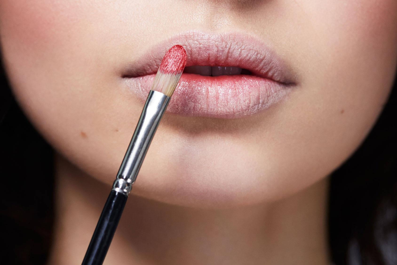 7 Kegunaan Concealer Yang Jenius Untuk Make Up Wajahmu Kawaii Kuas Lipstick Sikat Alis 3 Guna Menepuk Nepukkan